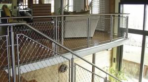 Merdivenler İçin, Küpeşte Korkuluk Ağları